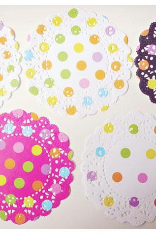 Polka dot English Doily paper / pack