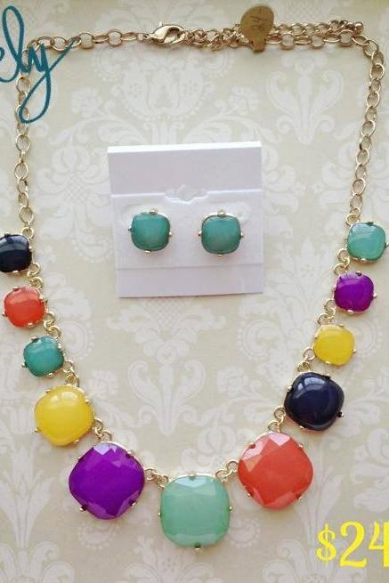 Amanda Necklace Set in Multi Color