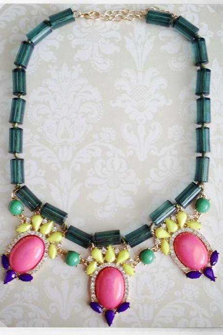 Southern Party Necklace in Green