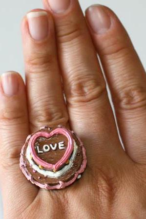 Kawaii Cute Japanese Ring - A Love Cake