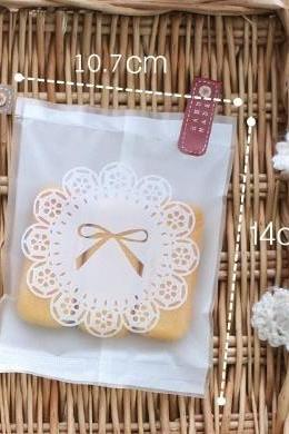 White lace Packing bag / Favour Sweet Bags White Lace Bow Design/ Wedding Favours Candy Bar