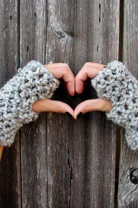 Lamb's Wool Collection - Plush Chunky Wool Fingerless Gloves In Grey Marble - Unisex