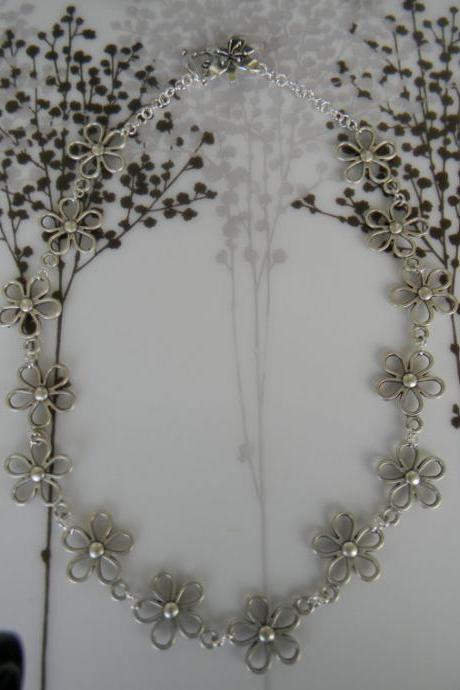 Silver Plated Daisy NecklaceFrom siljewel