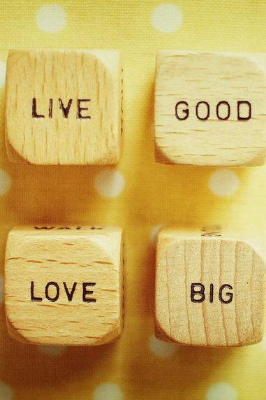 Vintage Wood Dice - Live Good Love Big - Sunshine Yellow - Polka Dots - 5x7'