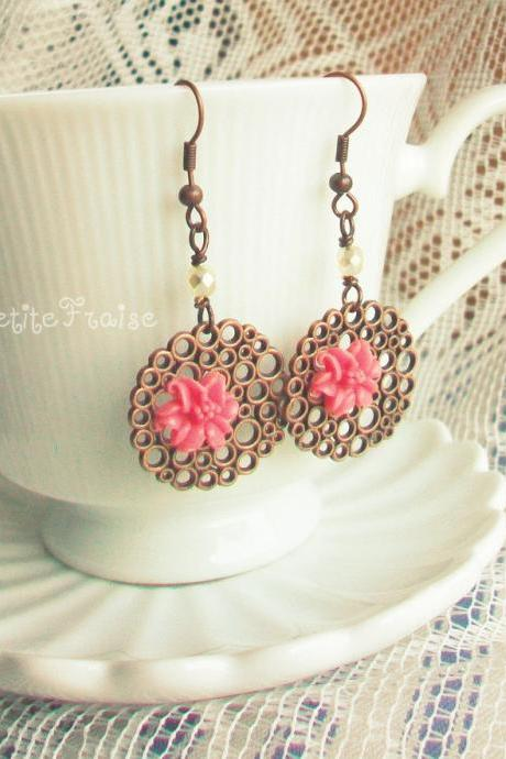 Vintage style earrings retro jewelry 'Elara' - 'Treasures' collection antiqued copper, coral pink lily flower cabochon on filigr
