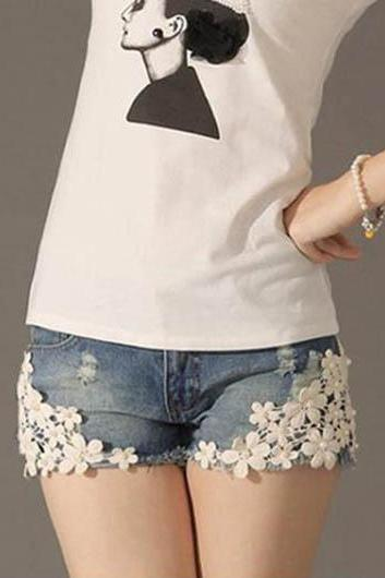 Light Blue Jeans Shorts With Lace Flowers And Rivets