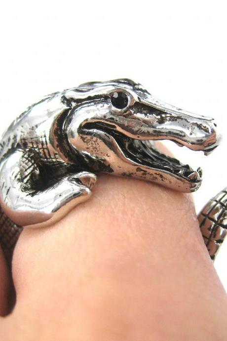 Large 3D Crocodile Animal Wrap Around Hug Ring in SHINY Silver Sizes 4 to 9