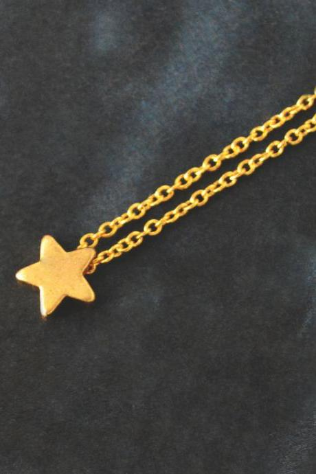 Star necklace, Simple Necklace, Modern necklace, Pendant necklace, Gold plated chain / Bridesmaid gifts / Everyday jewelry /