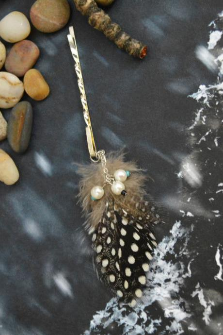 SALE10%) D-004 Loose polka dot feather extension with pearl, Guinea fowl plumages feather hairpin, Silver plated hairpin/Everyday accessory/