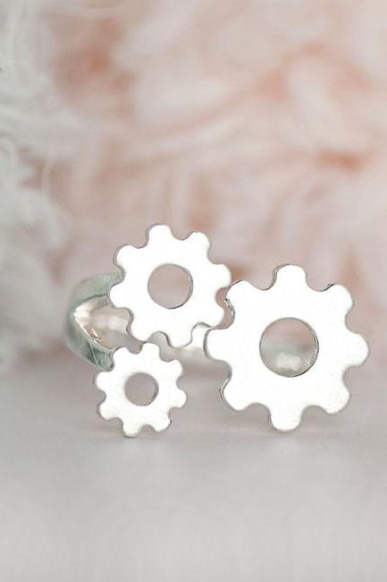 Silver Gear Ring, Steampunk Inspired