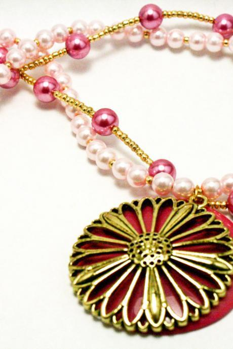Pink and Gold Pearl Daisy Pendant Necklace