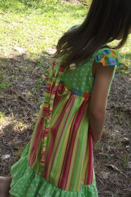 Girls Dress size 4, ties and ruffles