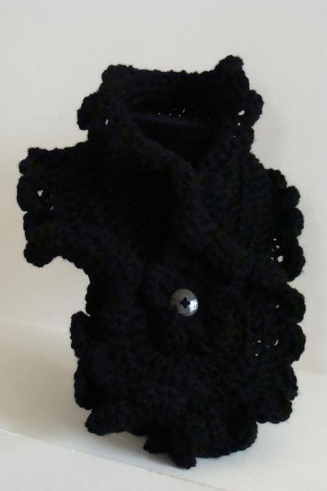 Crochet Ruffled Scarflette Black