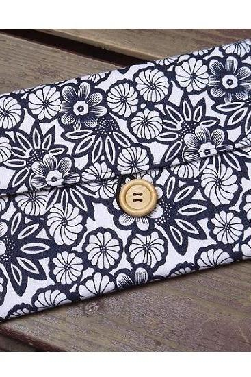 Apple Navy Blue Floral Fabric iPad Mini Sleeve