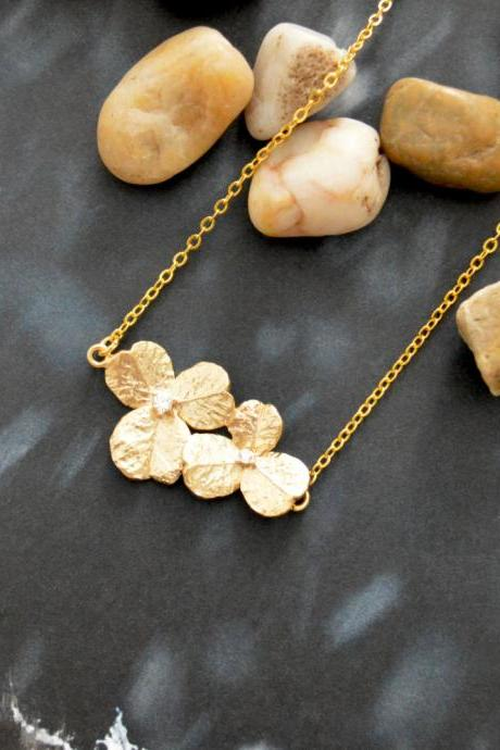 A-088 Cubic flower necklace, Simple necklace, Modern necklace, Gold plated/Bridesmaid/gifts/Everyday jewelry/