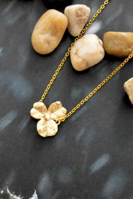 A-086 Cubic flower necklace, Simple necklace, Modern necklace, Pendant necklace, Gold plated/Bridesmaid/gifts/Everyday jewelry/