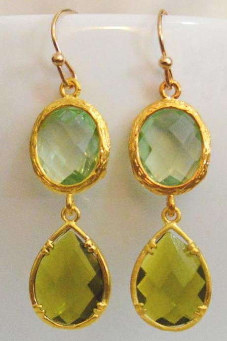 SALE) B-036 Glass earrings, Chrysolite & khaki drop earrings, Dangle earrings, Gold plated earrings/Bridesmaid gifts/Everyday jewelry/