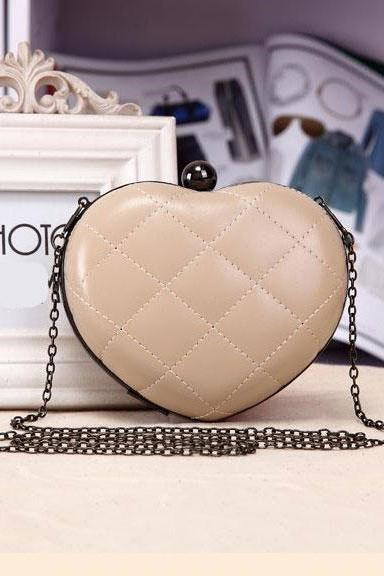 Cute Fashion Chain Mini Lingge Heart Bags Clutch Handbag-Beige