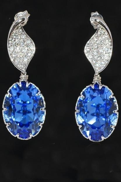 Wedding Earrings, Bridesmaid Earrings, Bridal Jewelry - Cubic Zirconia Detailed Twisted Leaves Earring with Swarovski Sapphire Oval (E426)