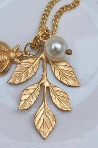 Leaf and Bee Necklace...........