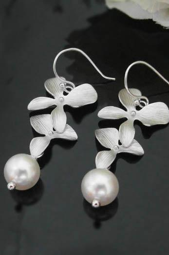 Orchid flowers Earring, Swarovski Pearl , Bridesmaid gifts, wedding earrings, mothers day, orchid, flower, bridal earring