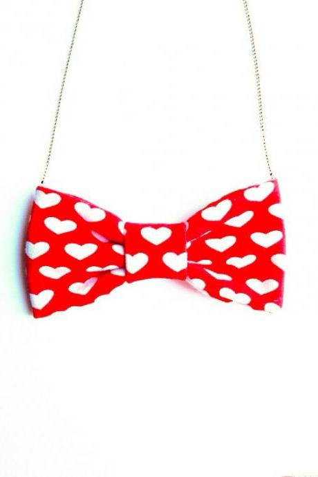 Lovely Bow tie Necklace Retro Kawaii Sweet Heart Red and White xoxo :) Sweet Kawaii Retro Vintage Chic xoxo