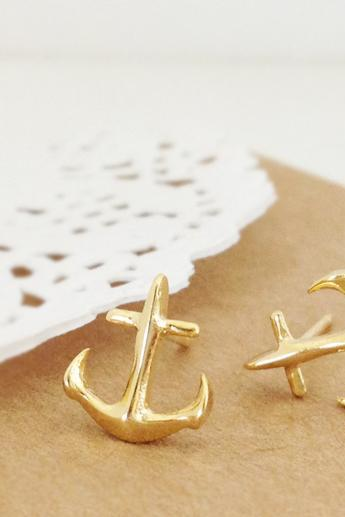Anchor Earring in Gold
