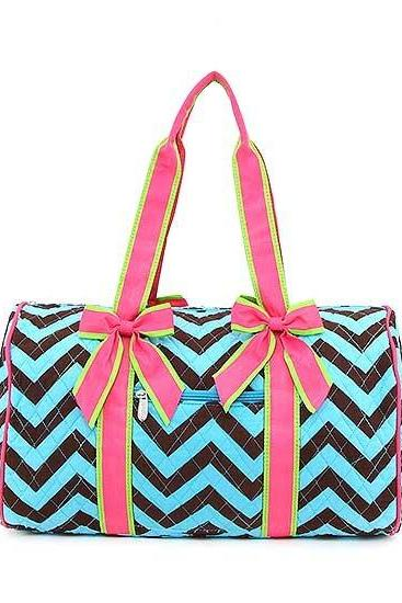 FREE SHIPPING UNTIL 11/17 Monogrammed Chevron Quilted Medium Duffle / Overnight / Weekend / School Bag