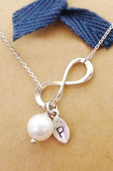 Infinity necklace with Leaf initial and Swarovski Pearl, initial jewelry, Bridesmaid gift, Wedding