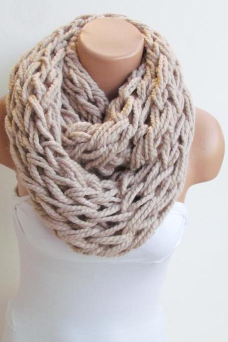 Infinity Stone Cream Scarf,Neckwarmer,Knitted Scarf, Circle Loop Scarf, Winter Accessories, Fall Fashion,Chunky Scarf.Cowl Scarf