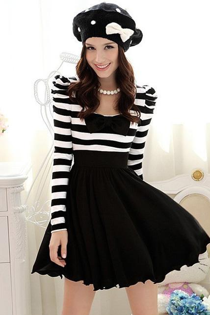 Elegant Black and White Striped Long Sleeve Dress