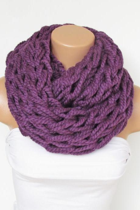Infinity Purple Scarf,Neckwarmer,Knitted Scarf,Circle Loop Scarf, Winter Accessories, Fall Fashion,Chunky Scarf.Cowl Scarf