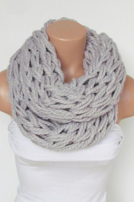 Infinity Silver Gray Scarf,Neckwarmer,Knitted Scarf,Circle Loop Scarf, Winter Accessories, Fall Fashion,Chunky Scarf.Cowl Scarf