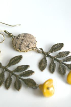 leaf earrings,handmade , jewerly,vintage earrings,