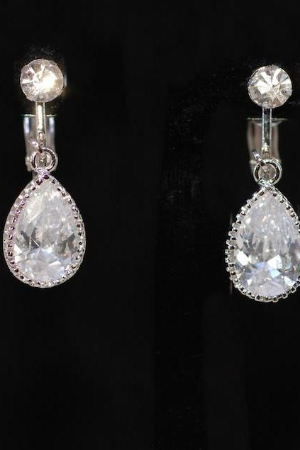 Wedding Jewelry, Bridesmaid Earrings - Crystal Screw Back Clip On (Non Pierced) Earring with Cubic Zirconia (CZ) Teardrop Crystal (E526)