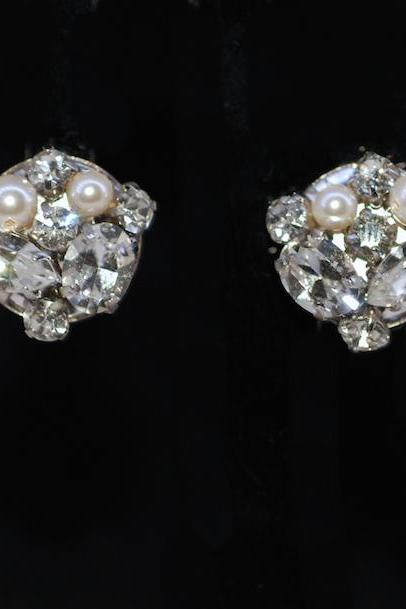 Wedding Earrings, Bridesmaid Earrings, Clip On Screw Back (Non Pierced) Vintage Earring with Swarovski Crystals and Pearl (E188)