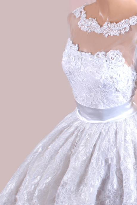 Plus Size wedding lace dresses /tulle Sleeves/ Bridal Gown
