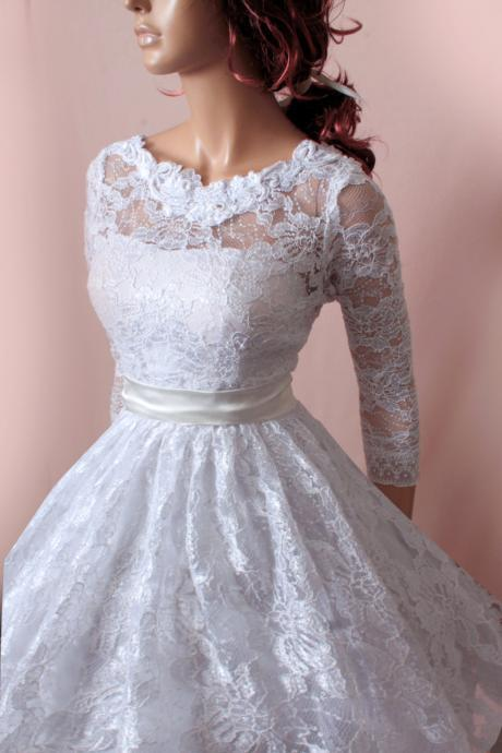 Plus Size wedding lace dresses / 3/4 Sleeves Bridal Gown