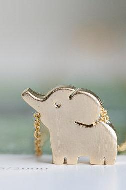 gold cute elephant necklace,animal necklace,girls necklace, bridesmaid necklace,bridesmaid gift,bridesmaid jewelry,girls necklace,N027K