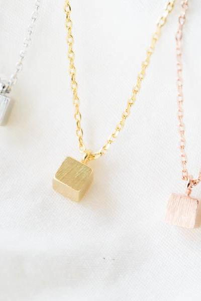 Tiny squrae cube necklace,minimalist jewelry,minimalist necklace,bridesmaid gift,bridesmaid necklaces,bridesmaid jewelry,N012K