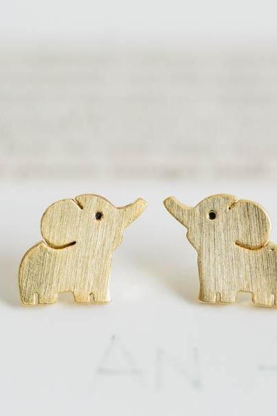 cute elephant earrings,Jewelry,Earrings,Post,elephant ,cute animal,pet kids,elephant earrings,elephant jewelry ,silver elephant, E116R