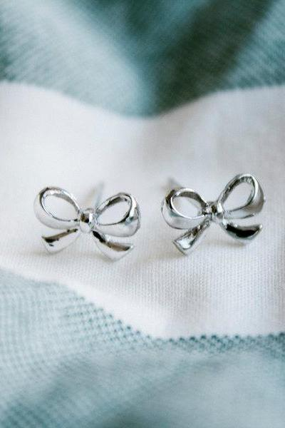 cute platinum plated ribbon stud earrings,E073R