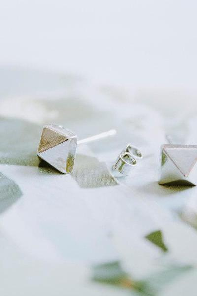 platinum plated triangle cone stud earrings,E014R