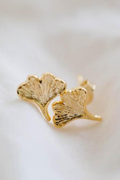 ginkgo leaf earrings,Jewelry ,Earrings,Studs,Post,earring,post,leaf earring,ginkgo leaf earrings,stud earrings,unique earrings,E092R