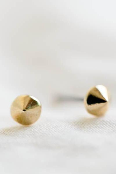 gold flat cone stud earrings/cute cartilage earrings/gold earrings/nickel free earrings/punk earrings,E077R