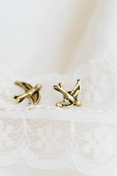 mini bird earring/earrings/ designer earrings/stud earrings/Little Bird Earrings/earring for women/earrings men/fashion earring,E211R