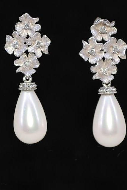 Matt Silver Flower Earring with Off White Shell Based Briolette Pearl - Wedding Jewelry, Bridal Earrings, Bridesmaid MOH Gift (E360)