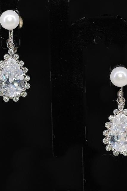 Wedding Earrings, Bridesmaid Earrings, Non Pierce Clip On White Pearl Earring with Teardrop Cubic Zirconia (E348)