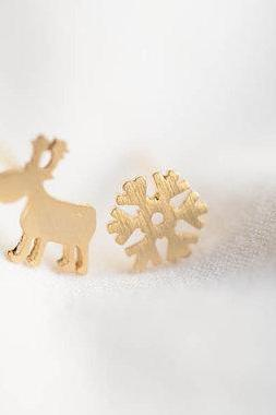 deer and snow earrings,Jewelry ,Earrings,Christmas jewelry,Christmas post,snowflake studs,girls earrings,white snow,Merry Christmas,E501R