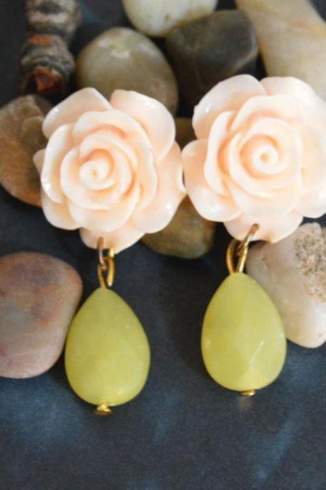 SALE) B-014 Light peach flower cabochon earrings, Yellow jade drop earring, Gold plated stud earrings /Special gifts/Everyday jewelry/
